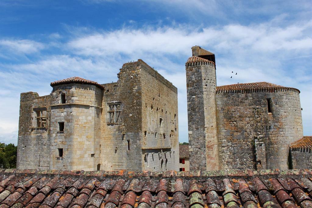 Larressingle, cité fortifiée du Moyen Âge