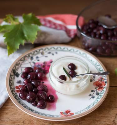 Recette Raisin rôti au romarin et fromage blanc