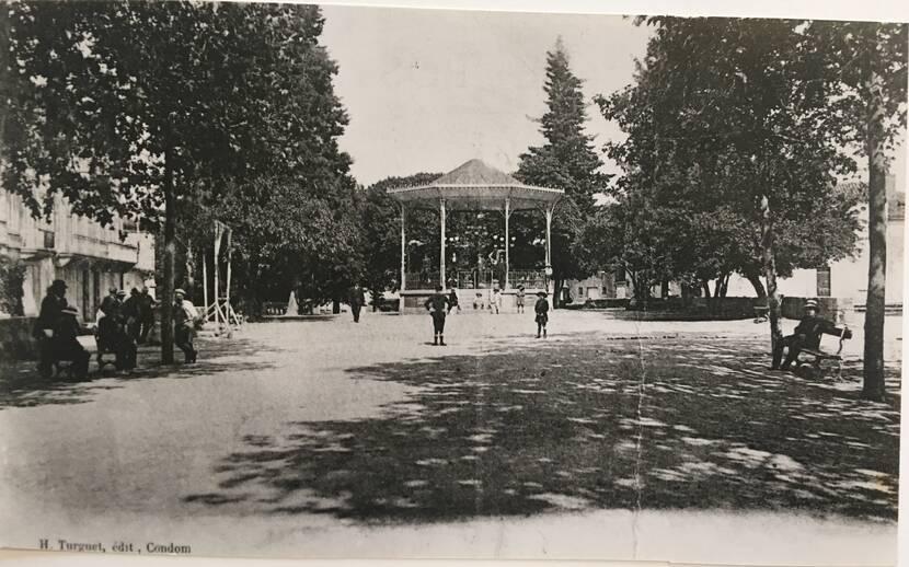 Kiosque à musique - photo ancienne Fenestra