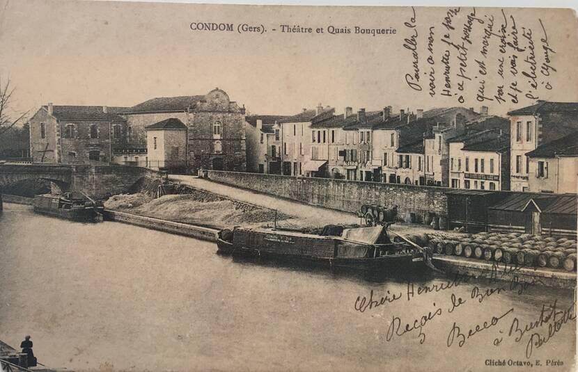 Vue sur les quais et le théâtre des Carmes - photo ancienne Fenestra
